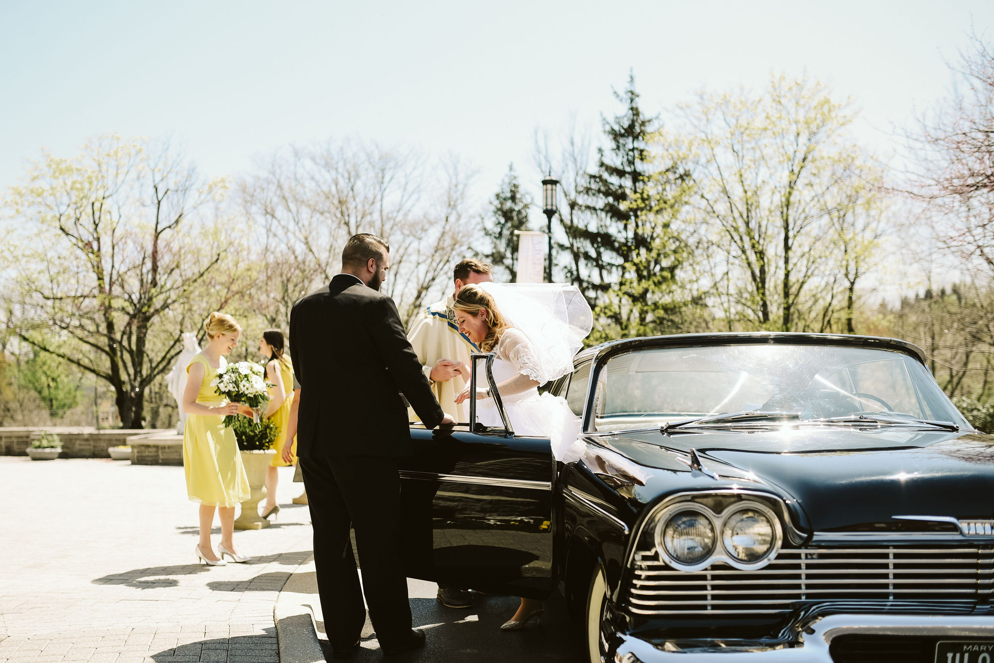 Baltimore, Church Wedding, Maryland Wedding Photographer, Vintage, Classic, Baltimore City, Bride Arriving at Church