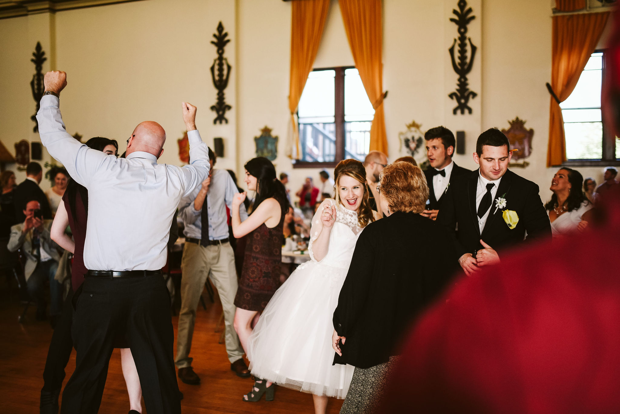 Baltimore, Lithuanian Dance Hall, Maryland Wedding Photographer, Vintage, Classic, 50s Style, Bride and Groom on the Dance Floor with Friends, Candid Photo