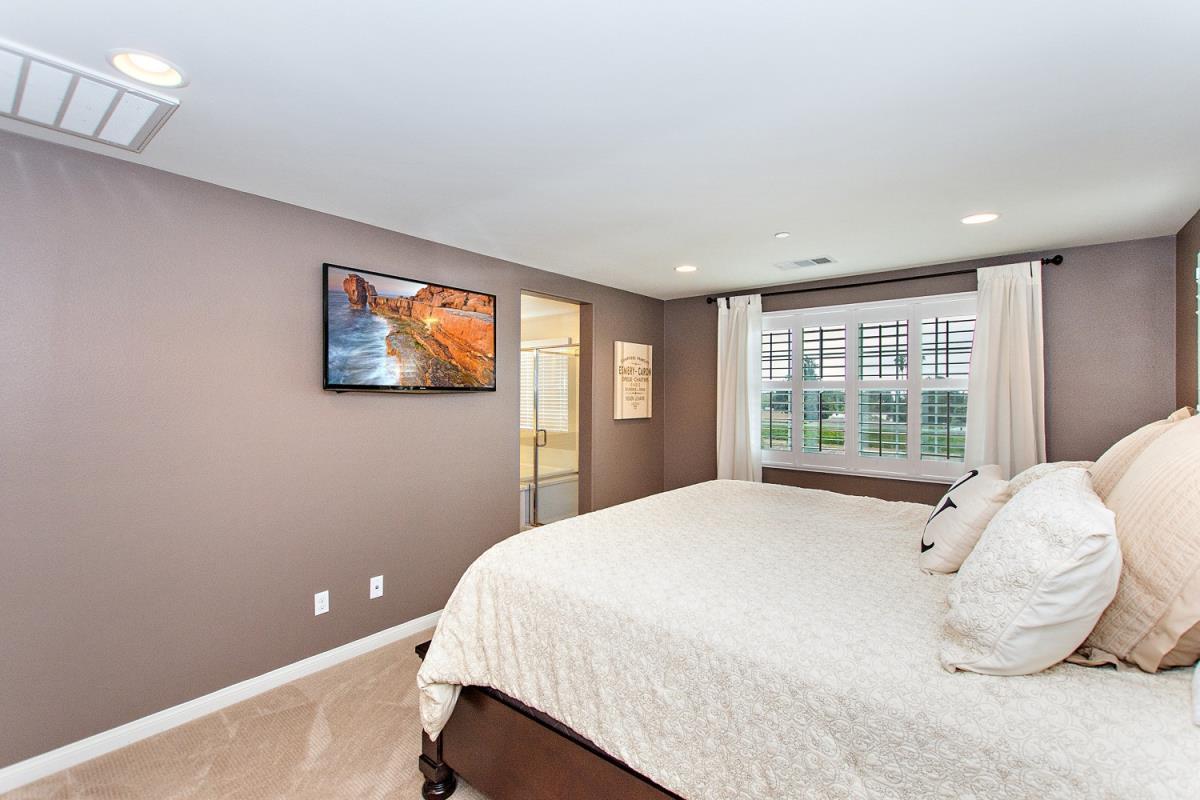 20-Master_Bedroom(1).jpg