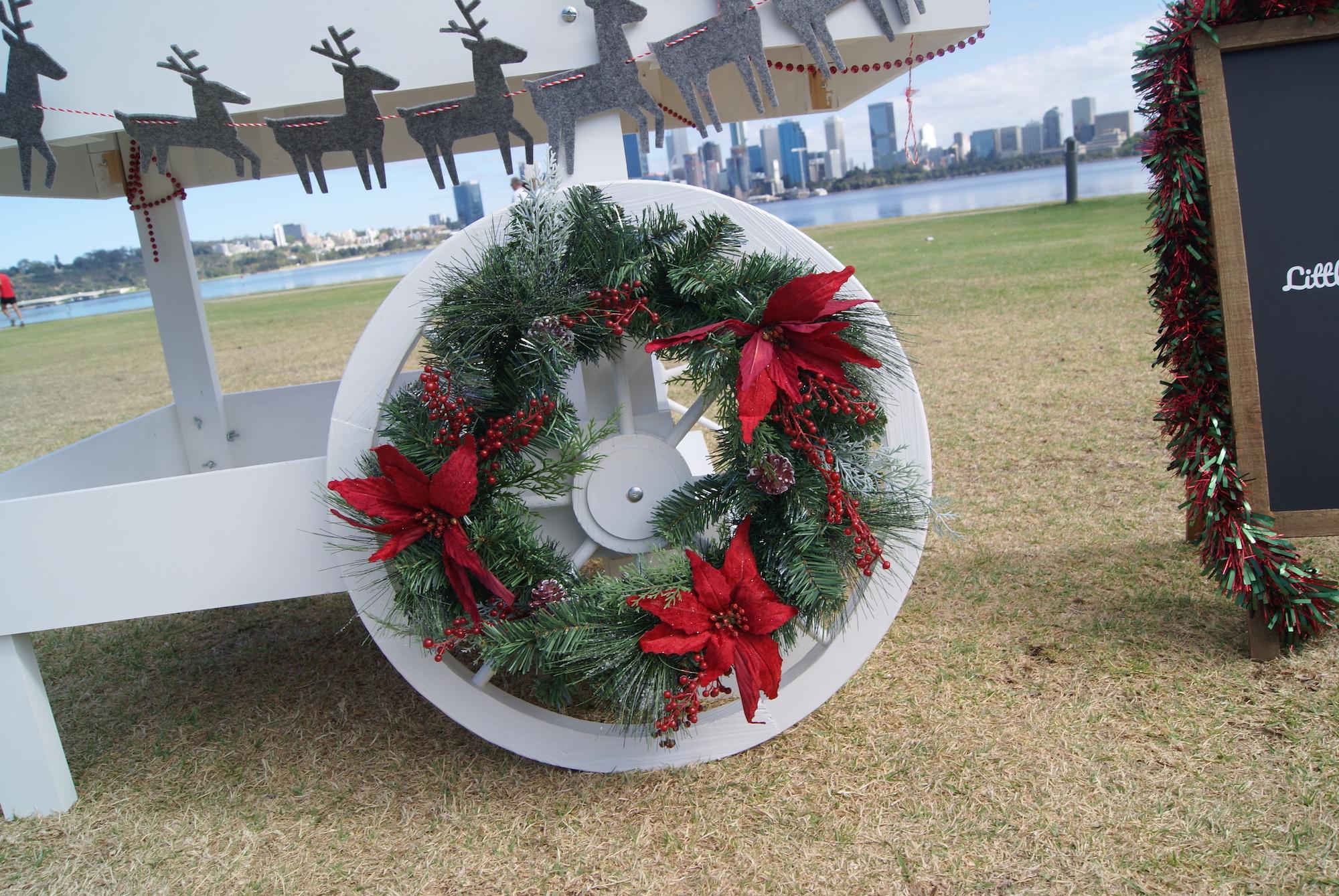 Wreath_Wheel_Little_Lolly_Cart_Christmas_Cart_Hire.JPG