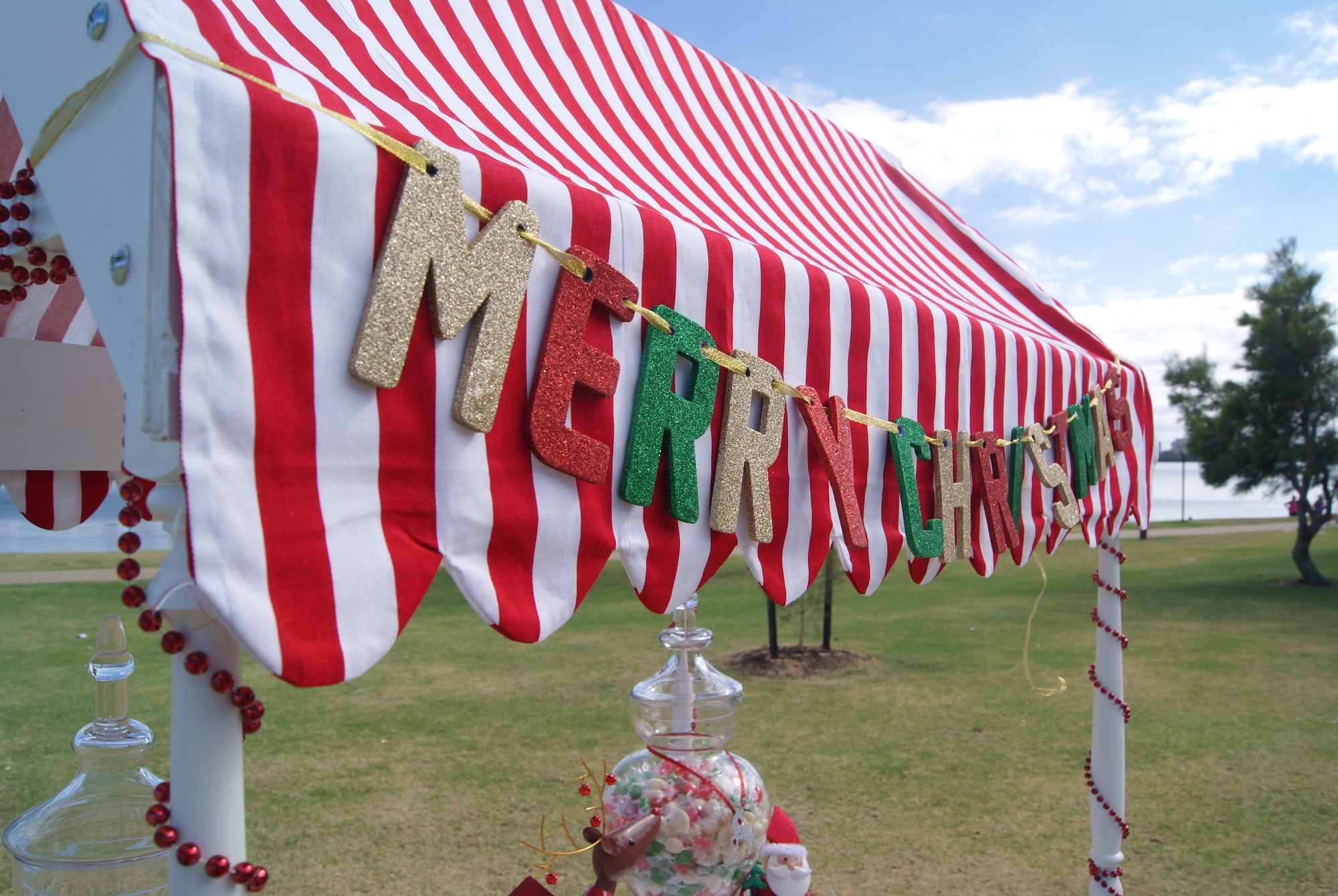 Merry_Christmas_Banner_Landscape_Little_Lolly_Cart_Christmas_Hire.JPG