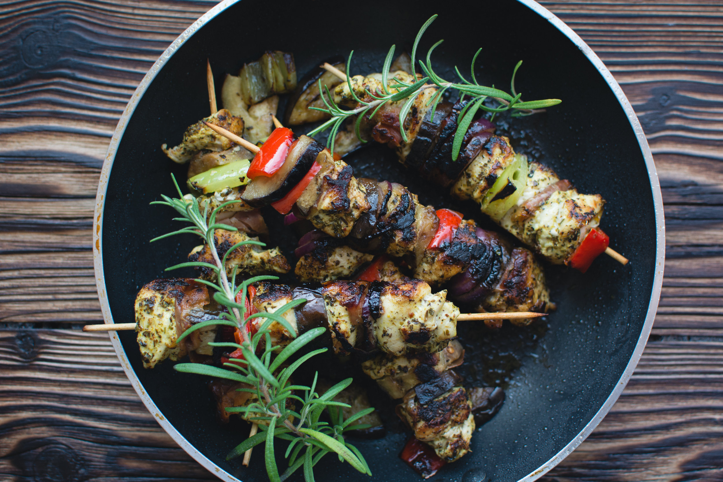 chicken-skewers-in-a-pan-picjumbo-com.jpg