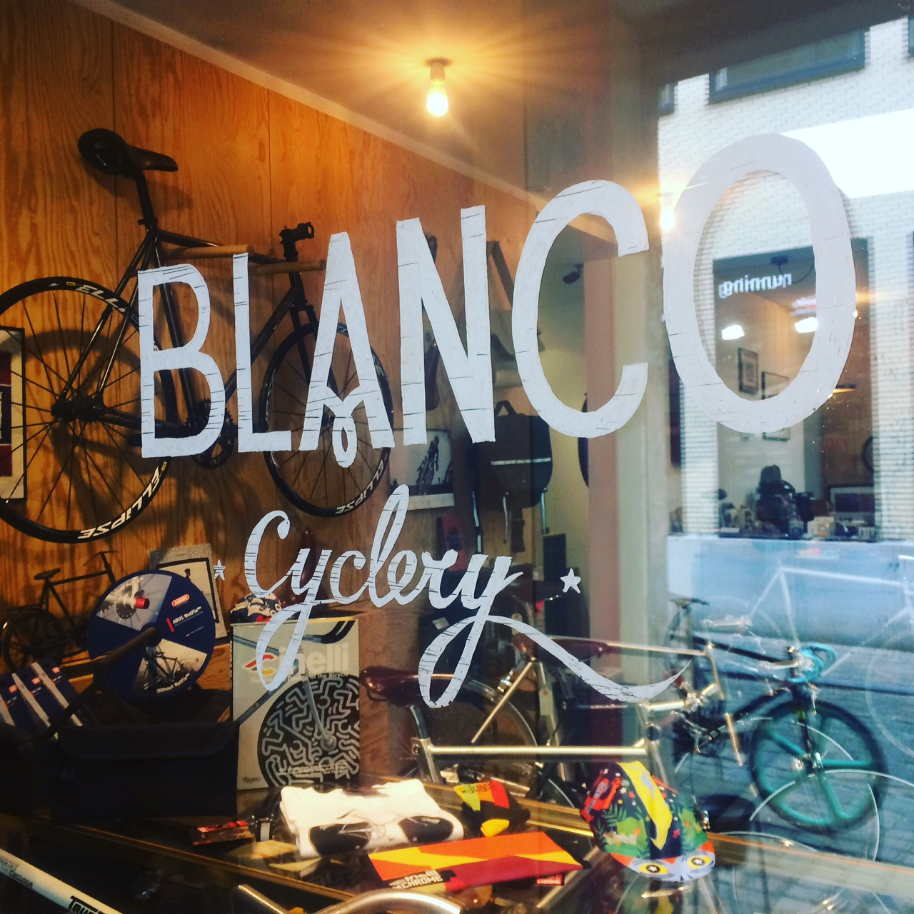 GHENT - BLANCO BIKE LUXURYBendesteeg 199000 Gentwww.blancobikeluxury.beOpen wednesday - saturday (10:30 - 18:30)Monday (13:00 - 18:00)Closed on tuesday