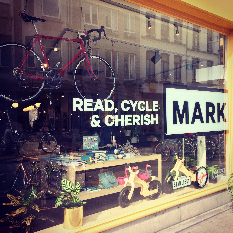 ANTWERP - MARK STOREKleine Markt 142000 Antwerpwww.fietsendegeus.beOpen monday - saturday (11:00 - 18:00)Closed on sunday
