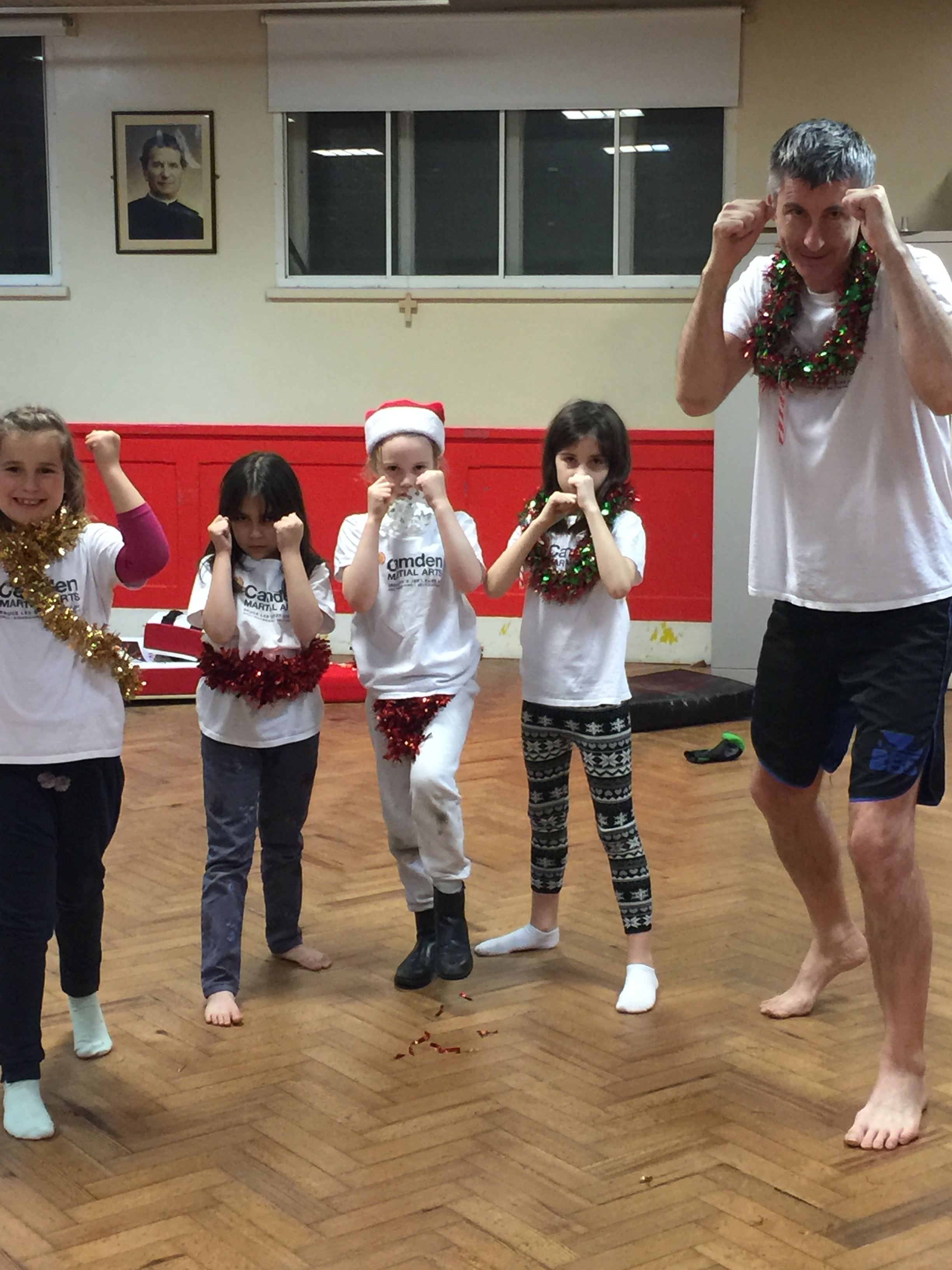 Last lesson before Christmas - Jab, cross, hook, Christmas tree! Front kick, mince pies!