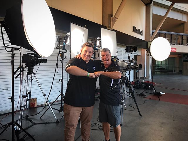 A great reunion working wth this bloke @alex_agaciak #nrl #suncorpstadium #cameraman