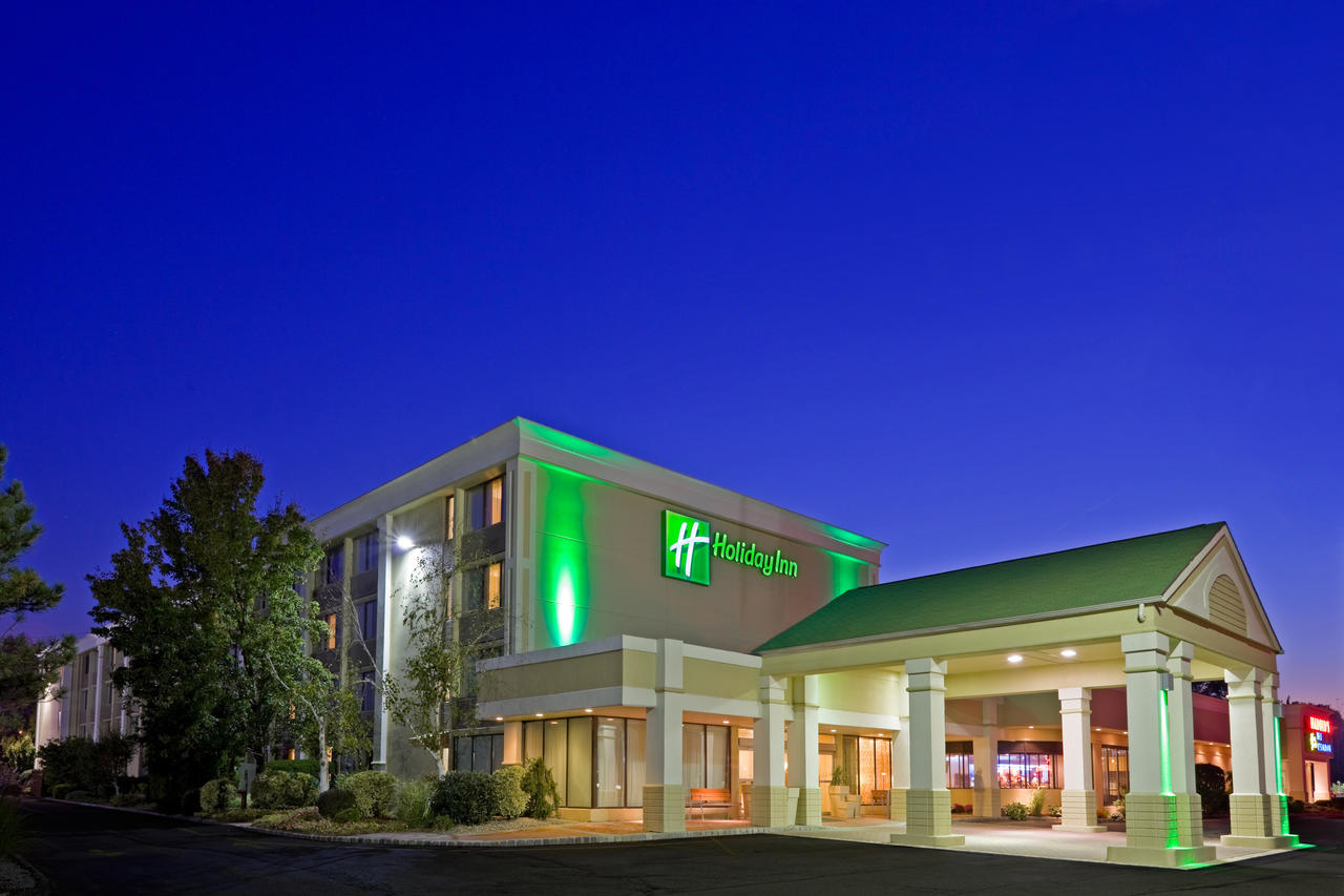 HOLIDAY INN & SUITES, PARSIPPANY, NJ