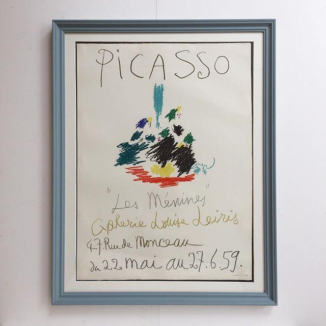 Picasso, litografisk plakat fra 1959, plakaten er trykt på kraftigt arches papir, med vandmærke. Rammen er håndmalet i en støvet blågrøn farve, samt opsat med passpartout. Mål 80x63 cm. 8200 DKK. #picasso #galerielouiseleiris #postervintage
