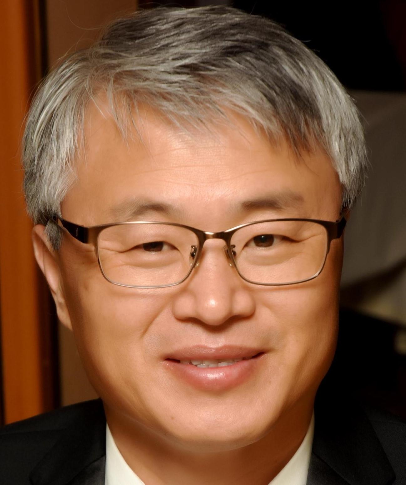 Dr.Sang Kim.jpg