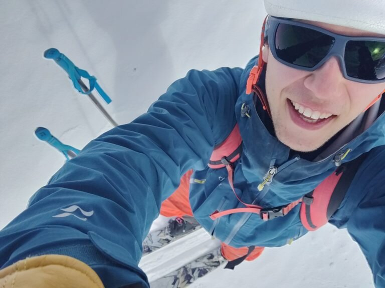 Juho Knuuttila - Nuorena kovan luokan alppinousut aloittanut kiipeilyn monilahjakkuus tarjoaa esityksessään tuoreet kuulumiset juuri päättyneeltä Himalajan matkalta. Juholla on tavoitteena tehdä ensinousu erittäin haastavalle Tengkangpochen (6487m) pohjoisseinälle.