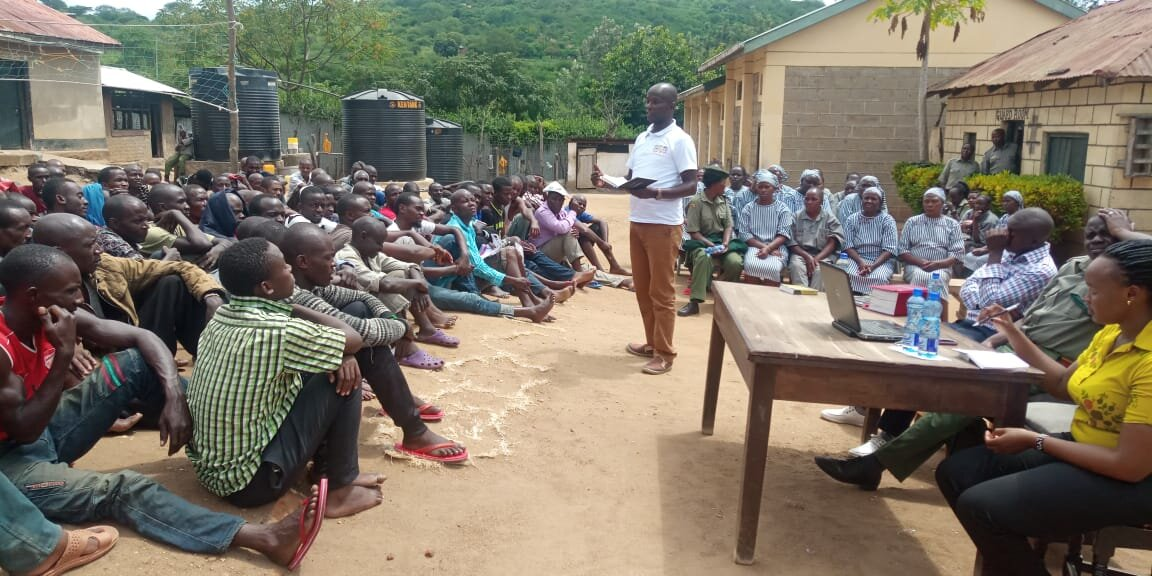 Morris conducting a legal awareness session in prison.