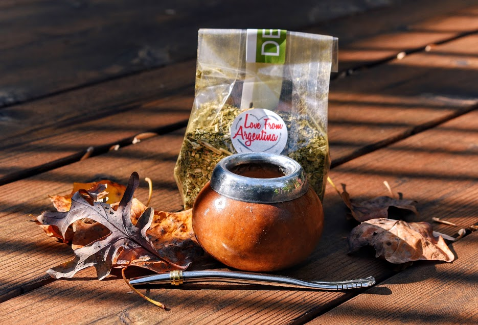 Gift or Starter Set - Best Deal (Value at $43) - This gift set comes with a gourd, bombilla and 4 oz of yerba. It is the perfect way to