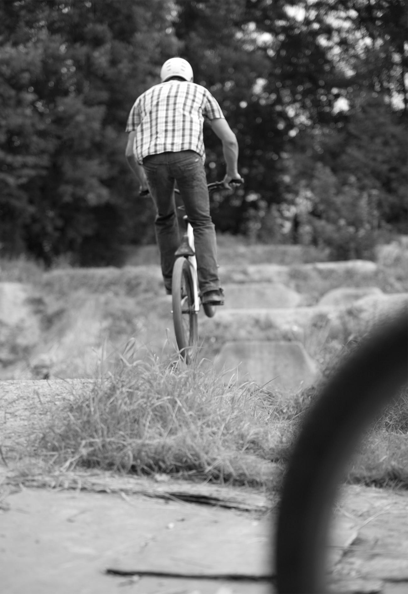 Am Anfang ein kurzer Hopser,bis die Schwerkraft wieder greift.Foto © Thomas Kaiser