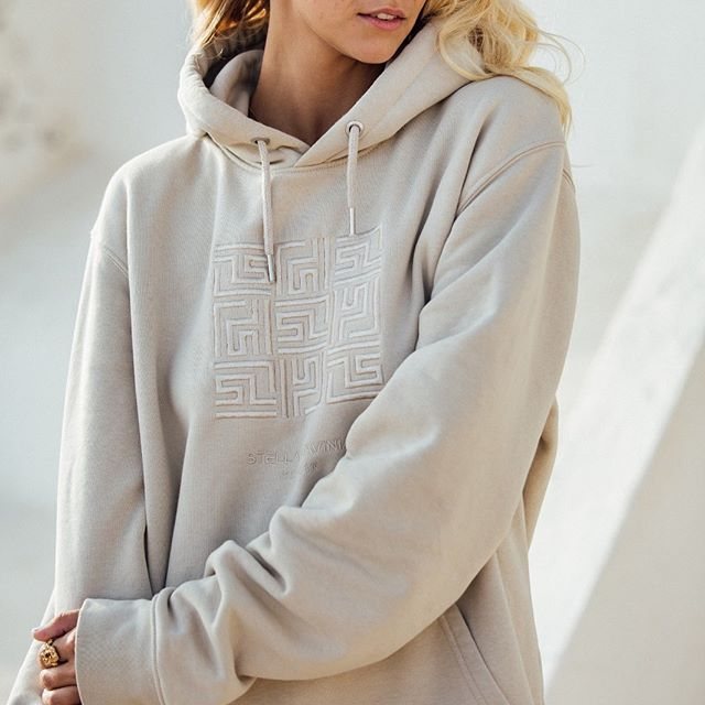 Happy weekend⚡️ Cosy times ahead, what are your plans?  #weekend #mood #friday #happytimes #fashion #onlineshop #hoodie #basic #fashionphotoshoot #latesummer #essentials #Berlin #details #limited #travel #mallorca #fairfashion #outfitinspiration #stellalavinia