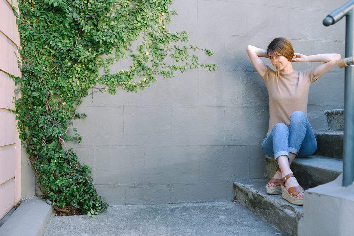 grana-boyfriend-jeans-camel-cashmere-top-outfit-5.jpg