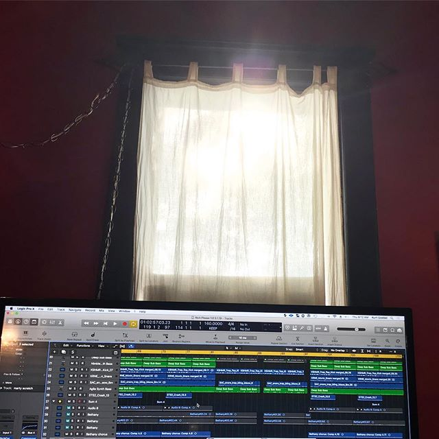 Sun shining in above my monitor. Gotta wear shades. #recordingstudio #hiphoprap #logicprox