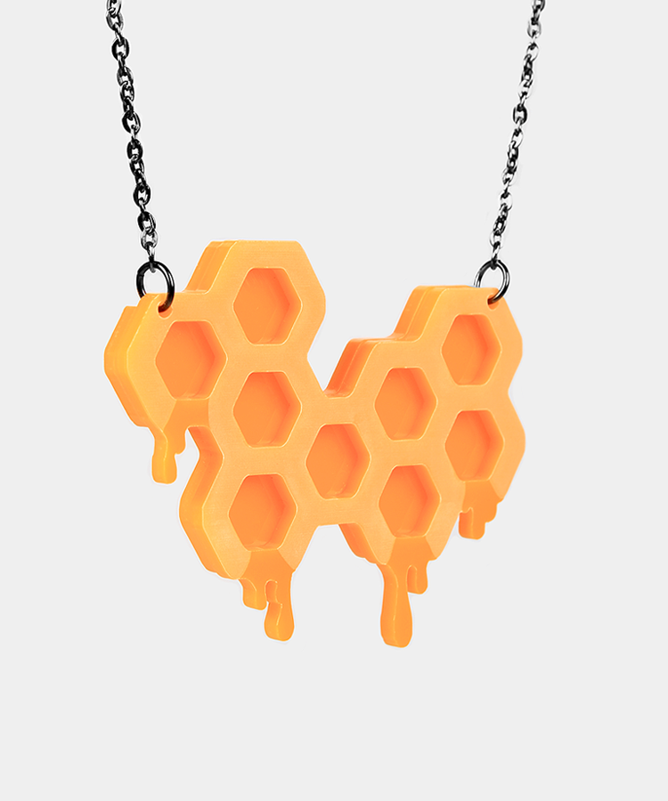 Honeycomb necklace full.png