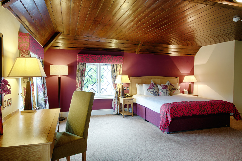 Barns_Hotel_Wedding_Photographer_Bedford_004.jpg