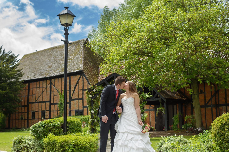 Barns_Hotel_Wedding_Photographer_Bedford_012.jpg