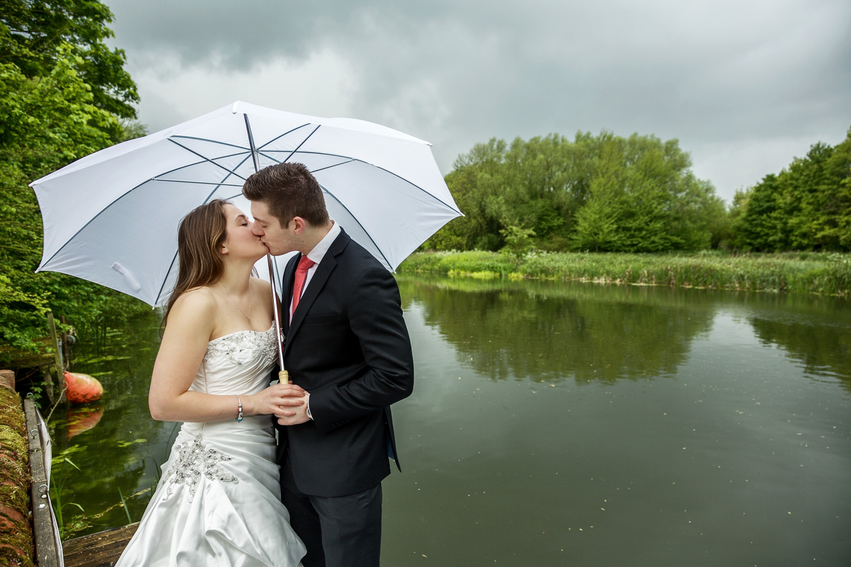 Barns_Hotel_Wedding_Photographer_Bedford_014.jpg