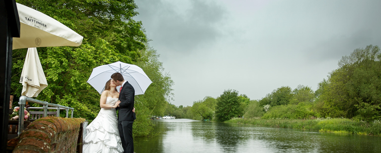 Barns_Hotel_Wedding_Photographer_Bedford_024.jpg