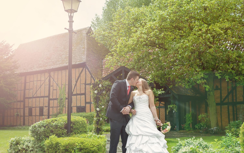 Barns_Hotel_Wedding_Photographer_Bedford_028.jpg