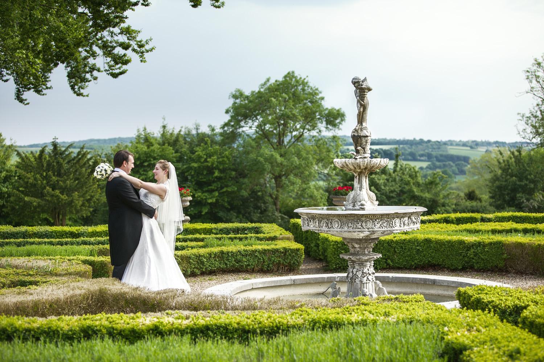 Danesfield_House_Wedding_Photographer_Marlow_013.jpg
