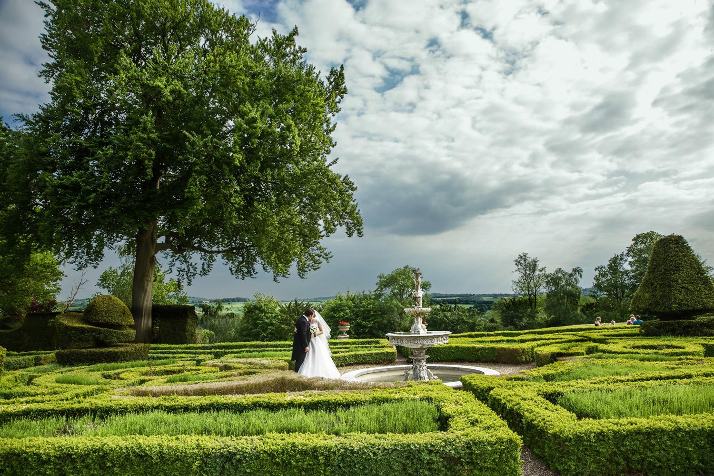 Danesfield_House_Wedding_Photographer_Marlow_025.jpg