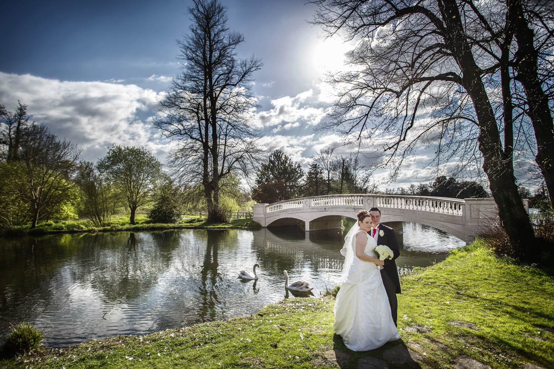 Donnington_Grove_Wedding_Photographer_Newbury_001.jpg