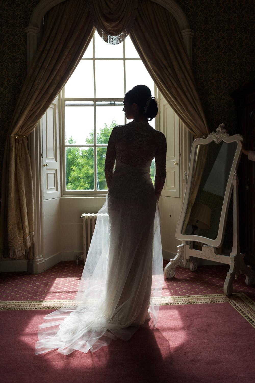 Donnington_Grove_Wedding_Photographer_Newbury_010.jpg