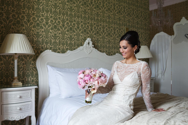 Donnington_Grove_Wedding_Photographer_Newbury_014.jpg