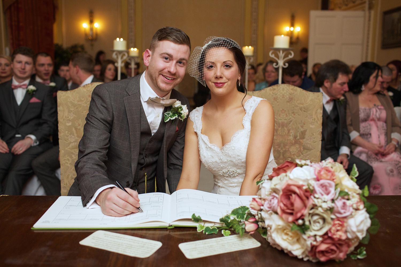 Donnington_Grove_Wedding_Photographer_Newbury_015.jpg