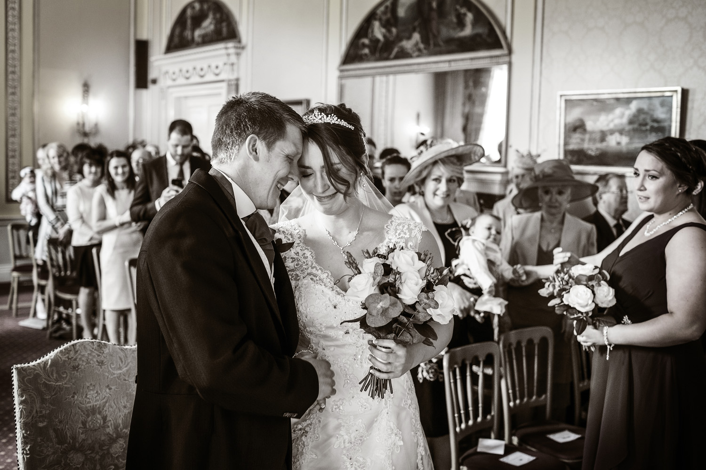 Donnington_Grove_Wedding_Photographer_Newbury_016.jpg