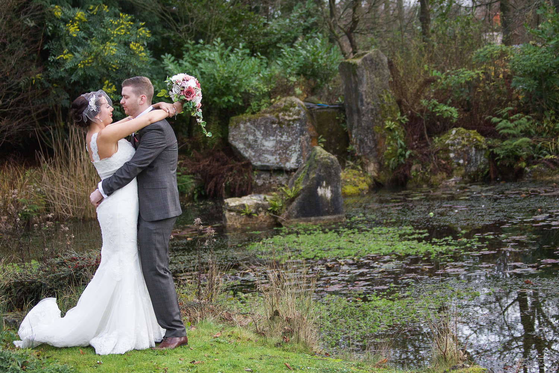 Donnington_Grove_Wedding_Photographer_Newbury_019.jpg