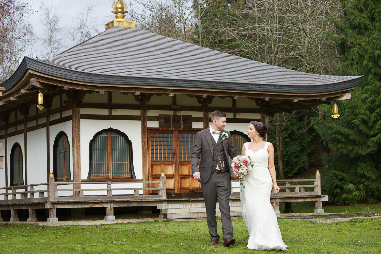 Donnington_Grove_Wedding_Photographer_Newbury_020.jpg