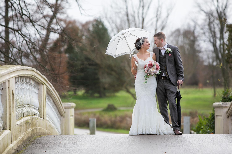 Donnington_Grove_Wedding_Photographer_Newbury_022.jpg