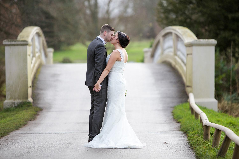 Donnington_Grove_Wedding_Photographer_Newbury_024.jpg