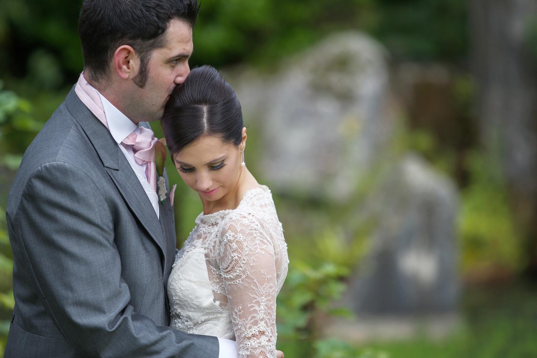 Donnington_Grove_Wedding_Photographer_Newbury_026.jpg