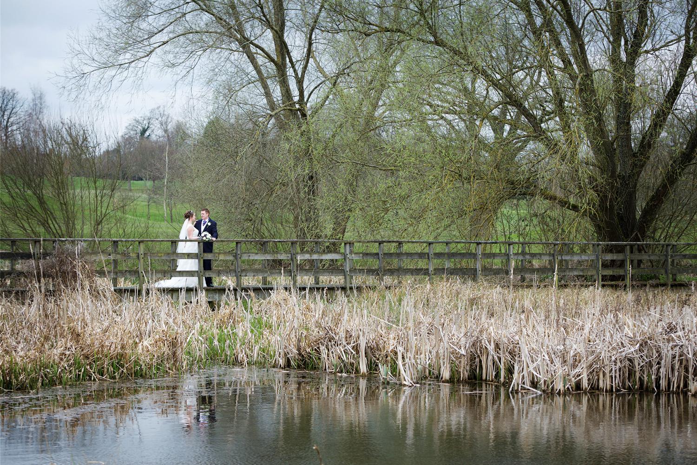 Donnington_Grove_Wedding_Photographer_Newbury_027.jpg