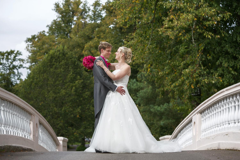 Donnington_Grove_Wedding_Photographer_Newbury_030.jpg