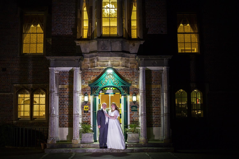 Donnington_Grove_Wedding_Photographer_Newbury_037.jpg