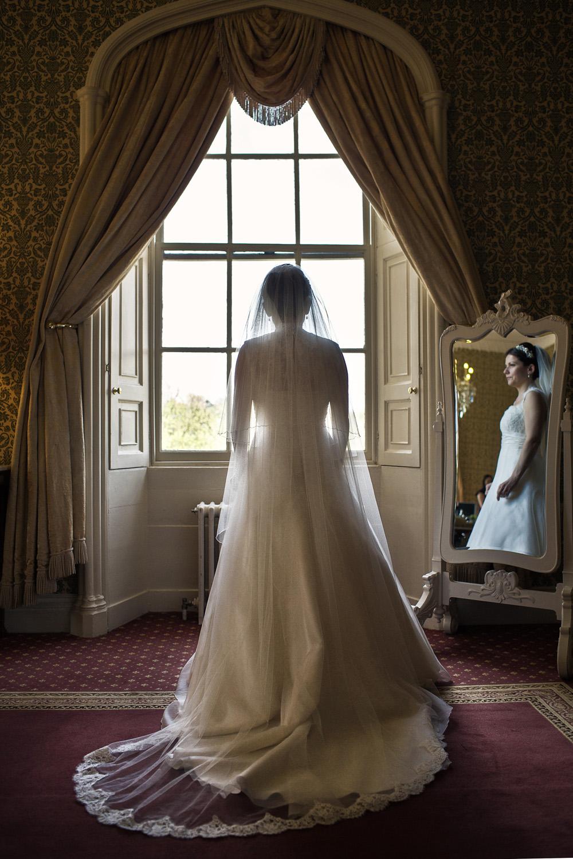 Donnington_Grove_Wedding_Photographer_Newbury_046.jpg