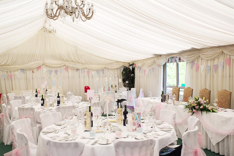 Donnington_Grove_Wedding_Photographer_Newbury_051.jpg
