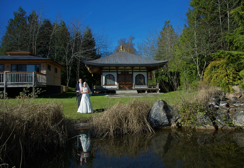 Donnington_Grove_Wedding_Photographer_Newbury_053.jpg