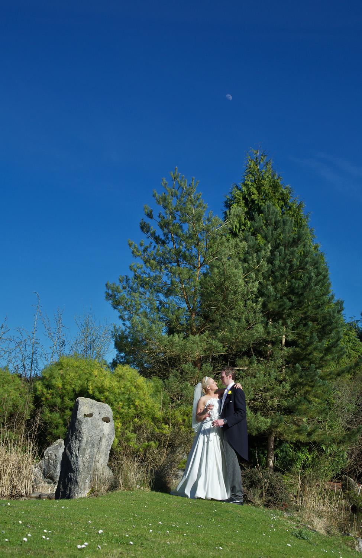 Donnington_Grove_Wedding_Photographer_Newbury_054.jpg