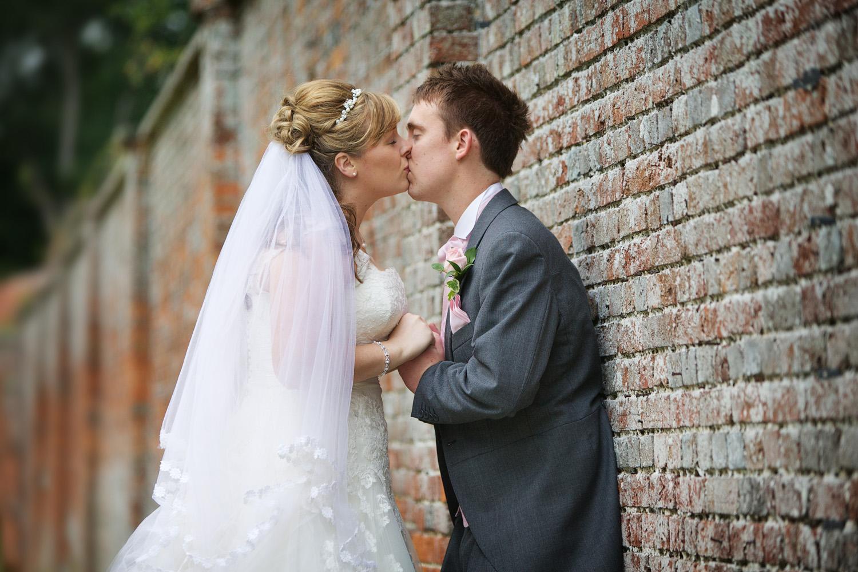 Donnington_Grove_Wedding_Photographer_Newbury_057.jpg