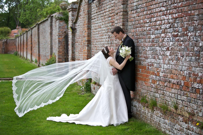 Donnington_Grove_Wedding_Photographer_Newbury_056.jpg