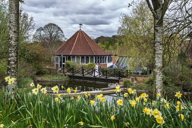 Donnington_Valley_Hotel_Wedding_Photographer_Newbury_Berkshire_001.jpg