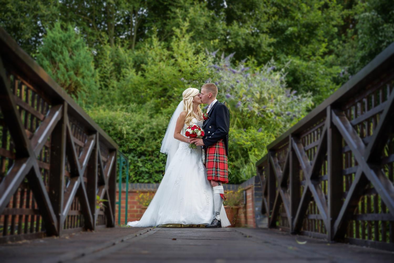 Donnington_Valley_Hotel_Wedding_Photographer_Newbury_Berkshire_004.jpg
