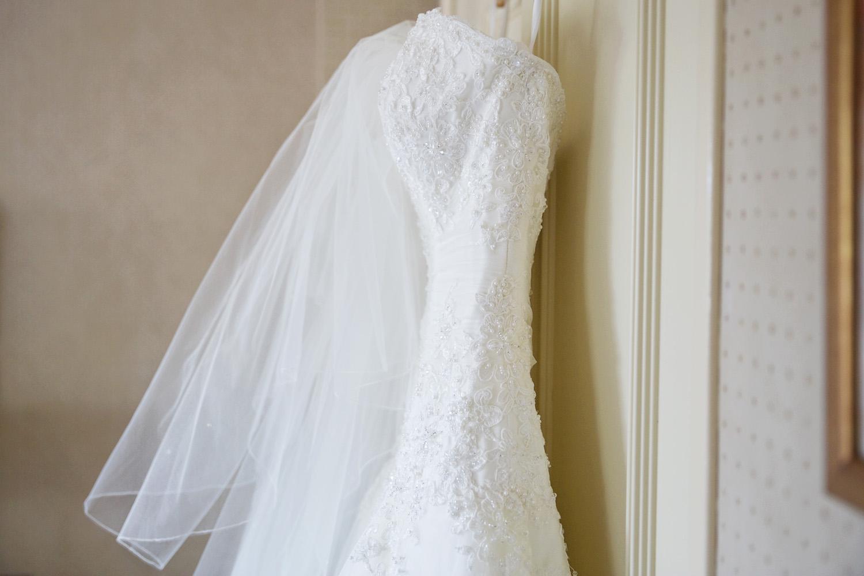 Donnington_Valley_Hotel_Wedding_Photographer_Newbury_Berkshire_005.jpg